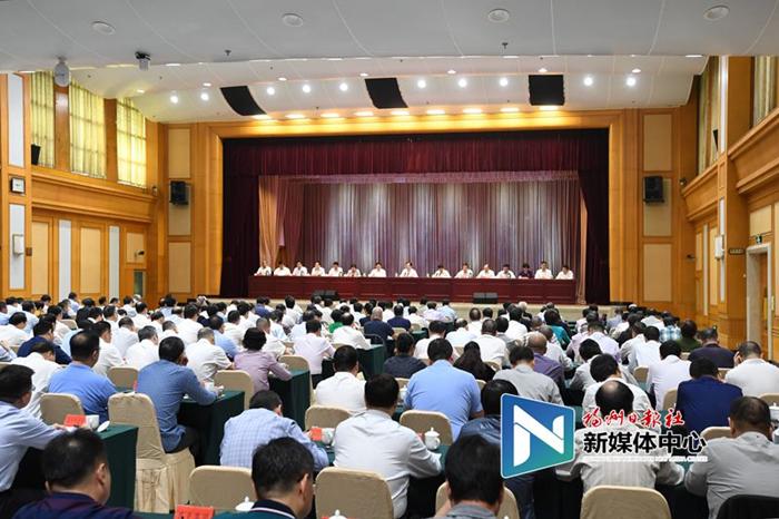 市委常委会召开扩大会议 传达学习党的十九届四中全会精神