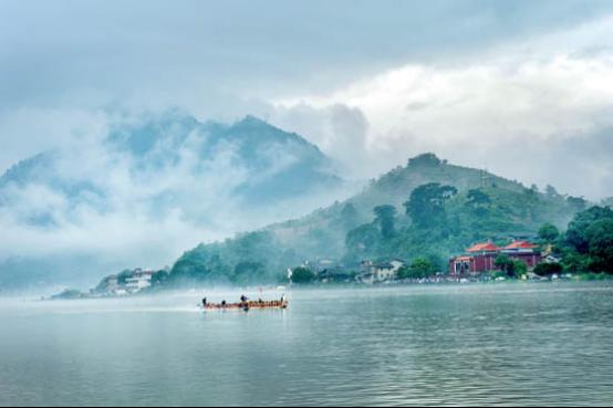金水湖度假村    整个山城坐落于福州市闽侯竹岐乡316国道旁,距